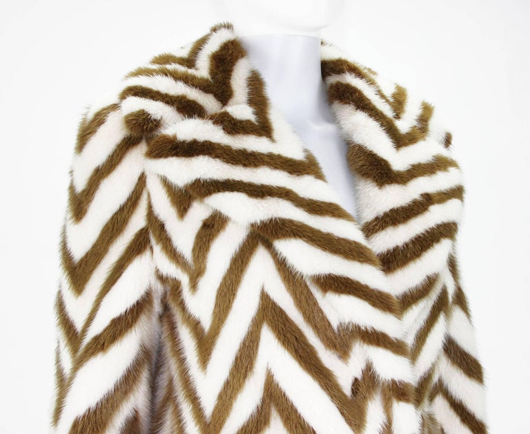 Museum in Italy F/W 2000 Tom Ford for Gucci Mink Chevron Pattern Coat It size 38 8