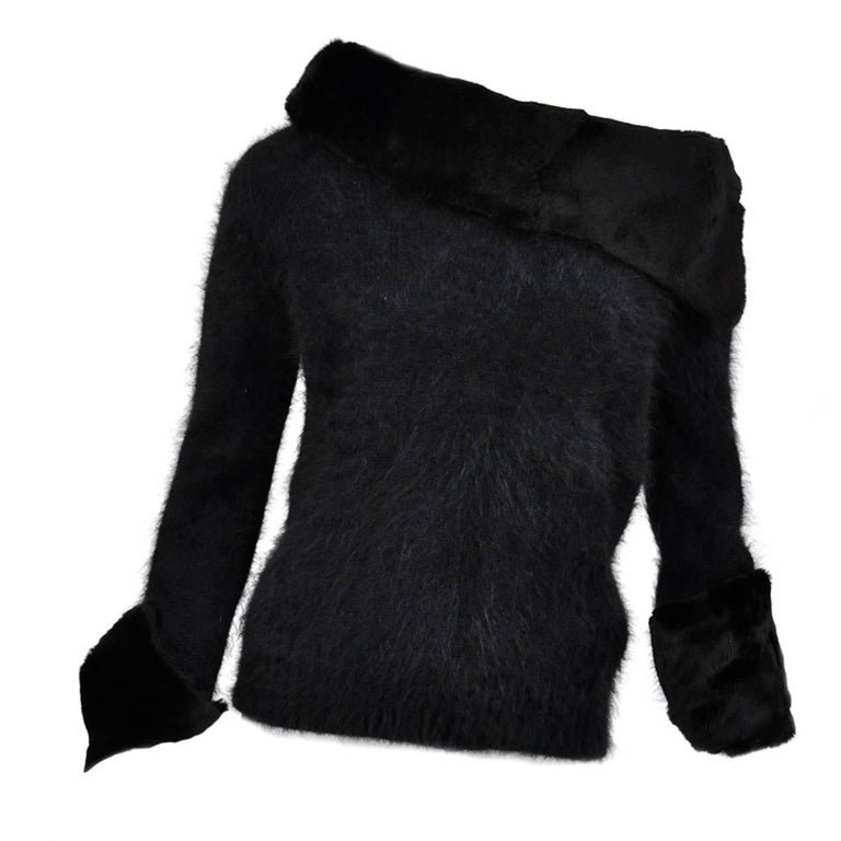 Tom Ford for Gucci 2001 Collection Black Angora and Mink Fur Luxurious Sweater M For Sale