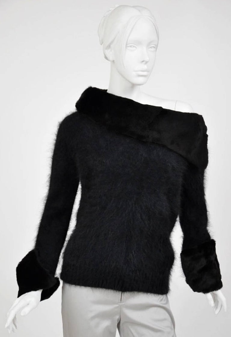 Women's Tom Ford for Gucci 2001 Collection Black Angora and Mink Fur Luxurious Sweater M For Sale