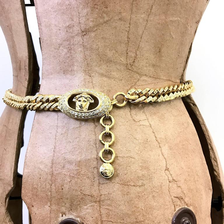 1990s Gianni Versace curb chain medusa head belt with rhinestones  For Sale 5