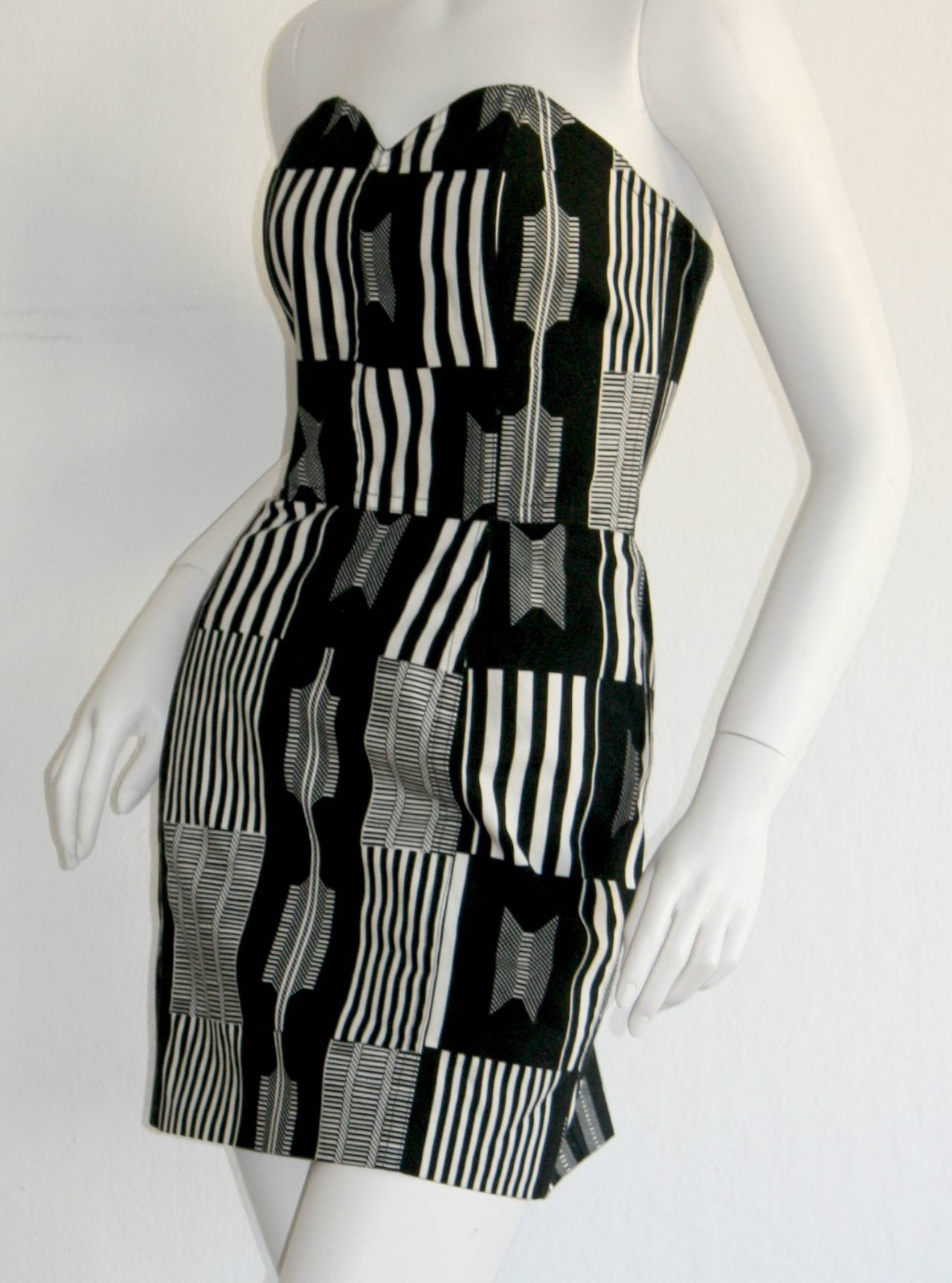 "Vintage Patrick Kelly "" Barcode "" Black & White Avant Garde Mini Dress For Sale 1"