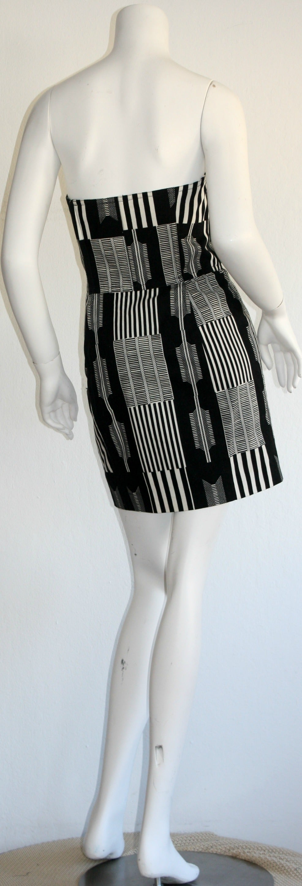 "Women's Vintage Patrick Kelly "" Barcode "" Black & White Avant Garde Mini Dress For Sale"