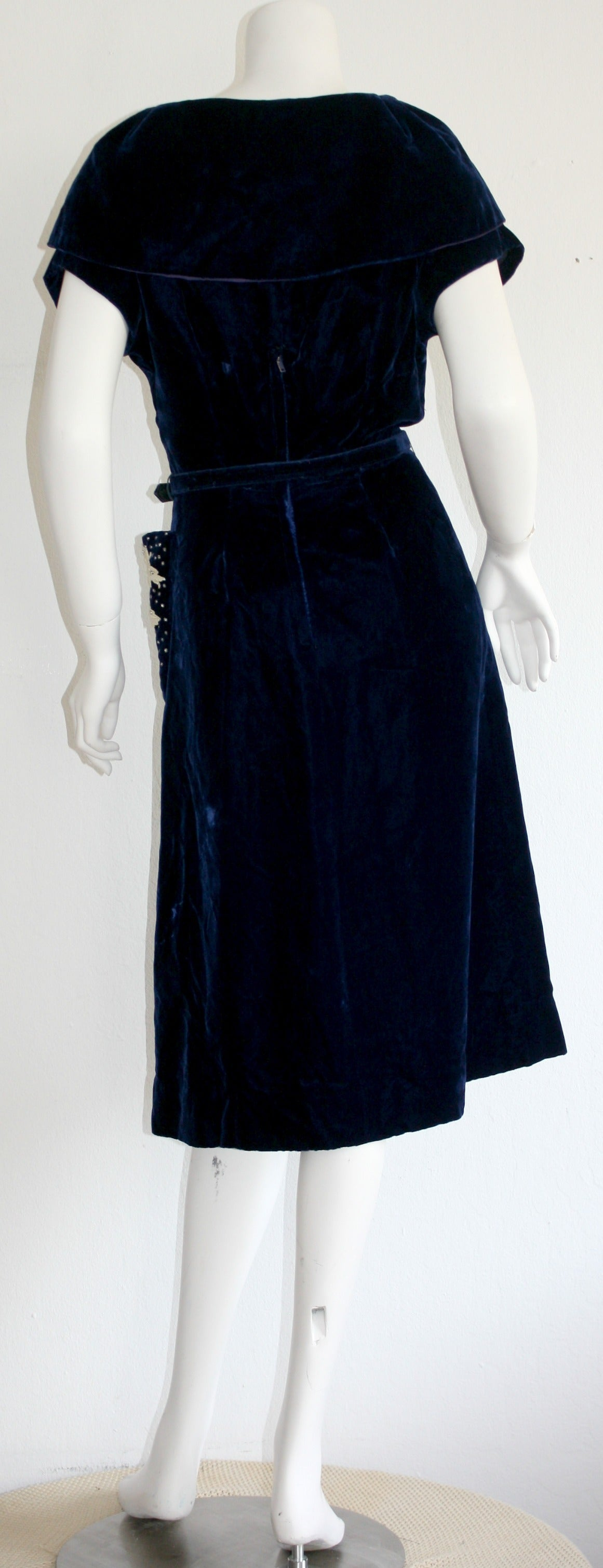 Beautiful 1940s Vintage Royal Blue Silk Velvet Dress w/ Lace & Rhinestones 5