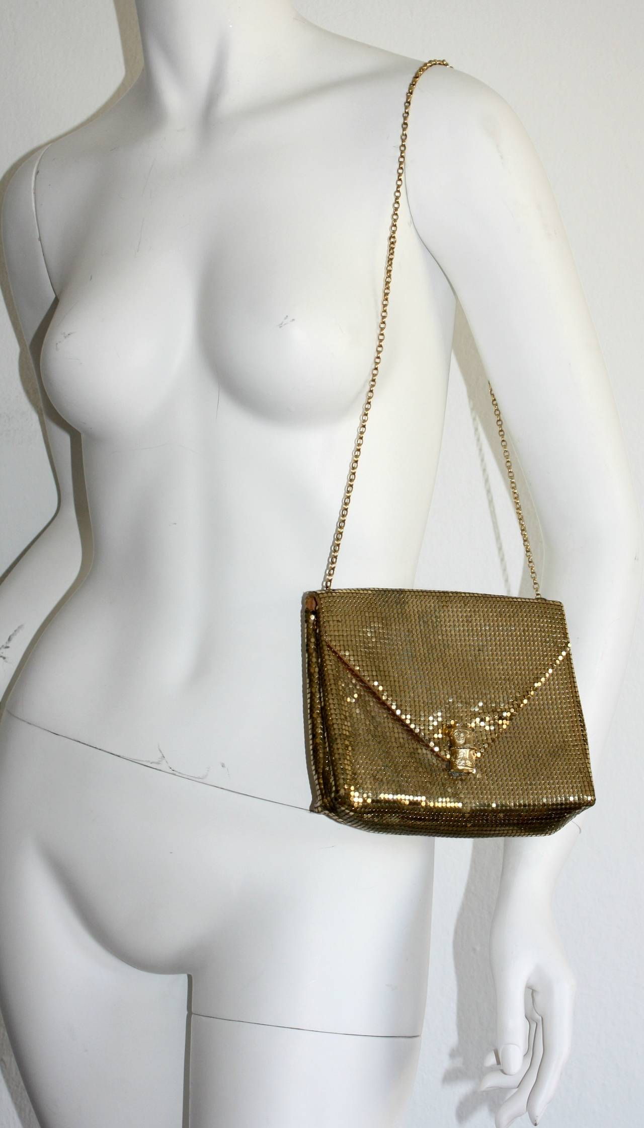 1960s Vintage Whiting and Davis Gold Metal Mesh Handbag or Clutch 2