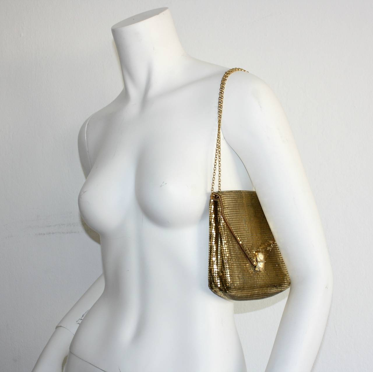 1960s Vintage Whiting and Davis Gold Metal Mesh Handbag or Clutch 5