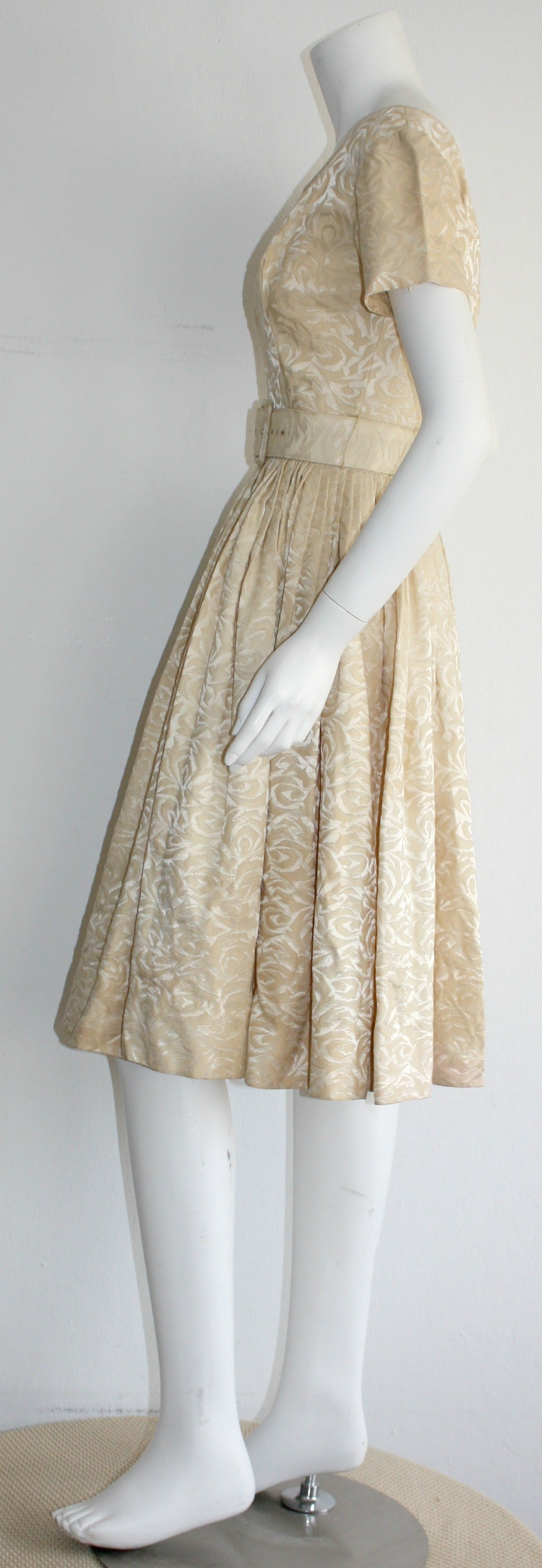 1950s Gigi Young Ivory Floral Silk Dress w/ Belt and Full Skirt For Sale 2