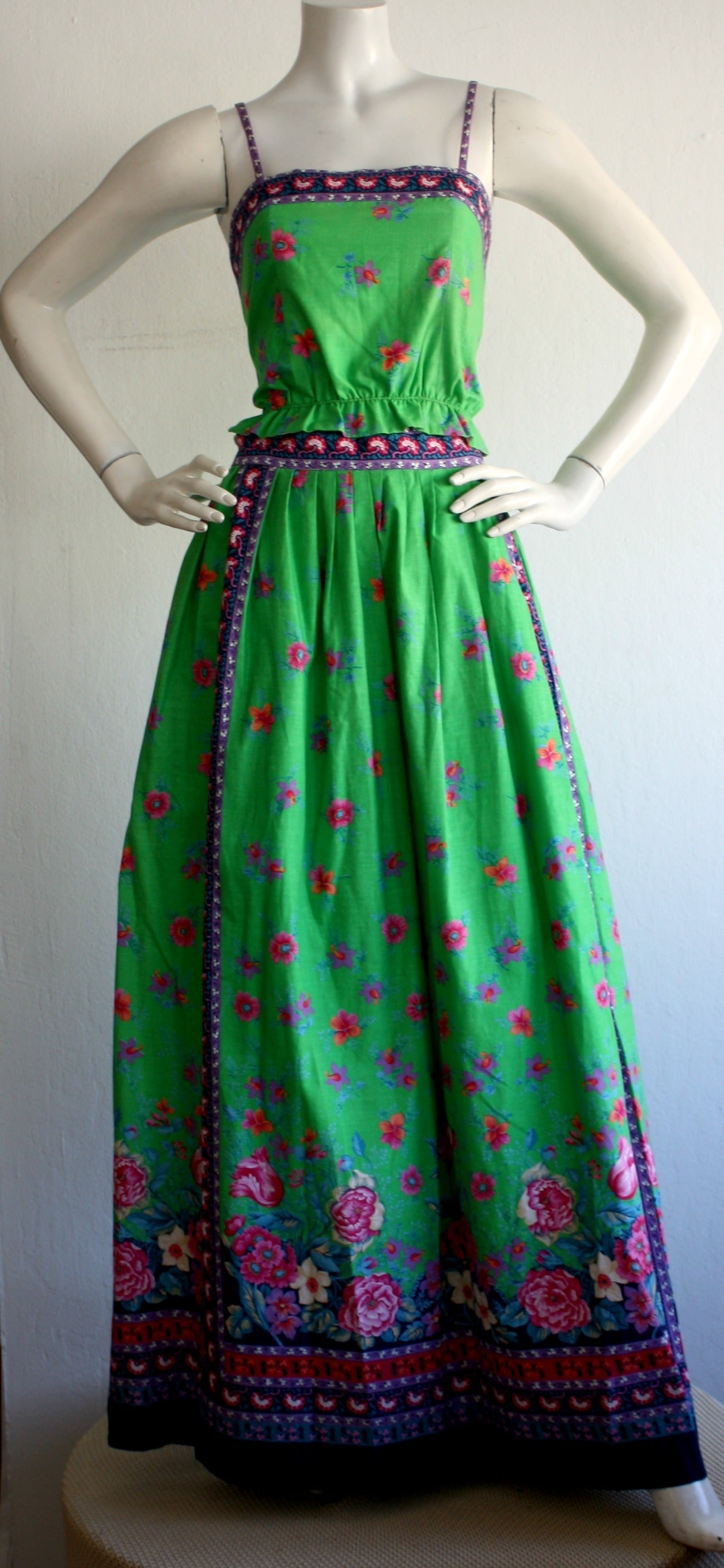 1960s Vintage Tina Leser Green Floral Print 2 - Piece Dress Ensemble In Excellent Condition For Sale In San Francisco, CA