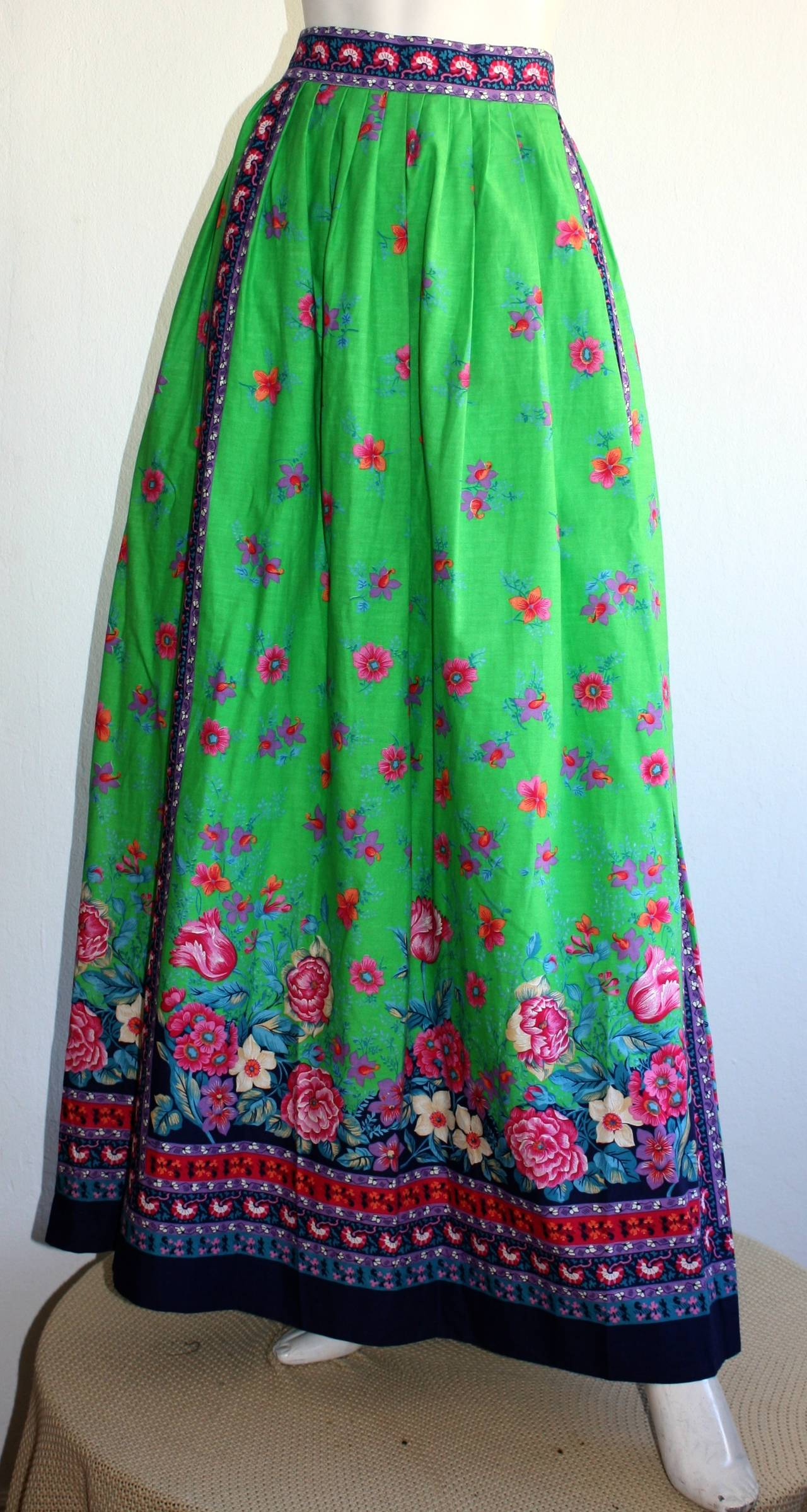 1960s Vintage Tina Leser Green Floral Print 2 - Piece Dress Ensemble For Sale 2