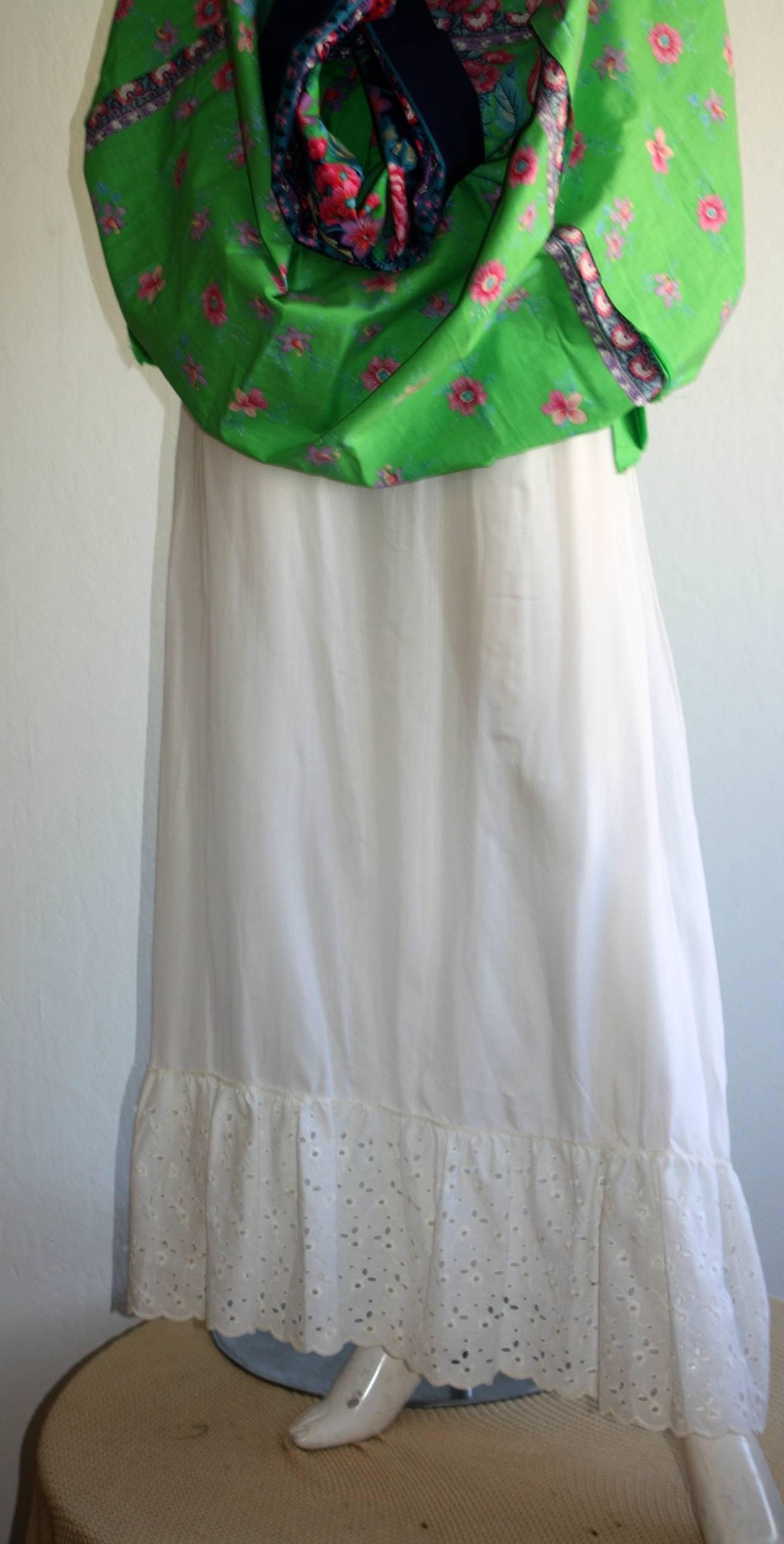 1960s Vintage Tina Leser Green Floral Print 2 - Piece Dress Ensemble For Sale 3