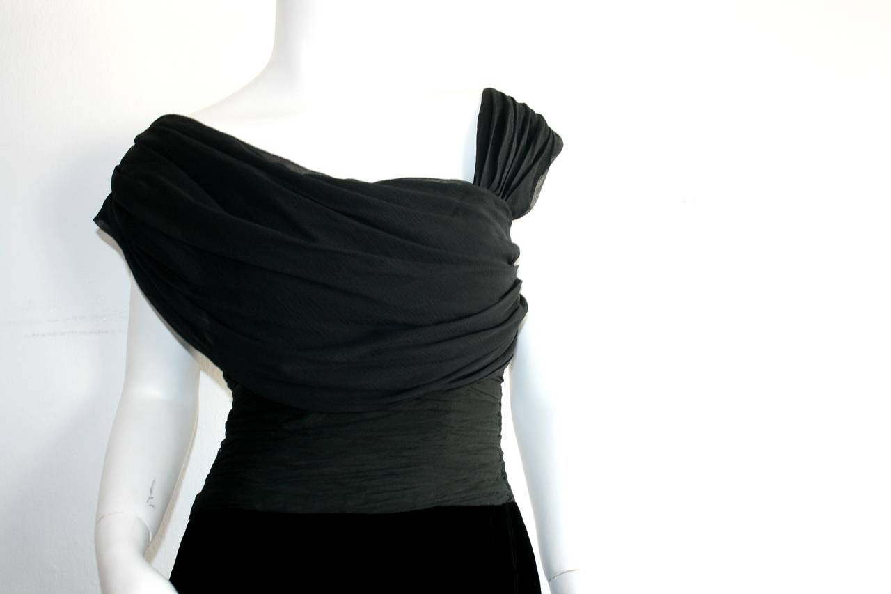Remarkable Vintage Oscar de la Renta Black Velvet & Chiffon Grecian Gown 3