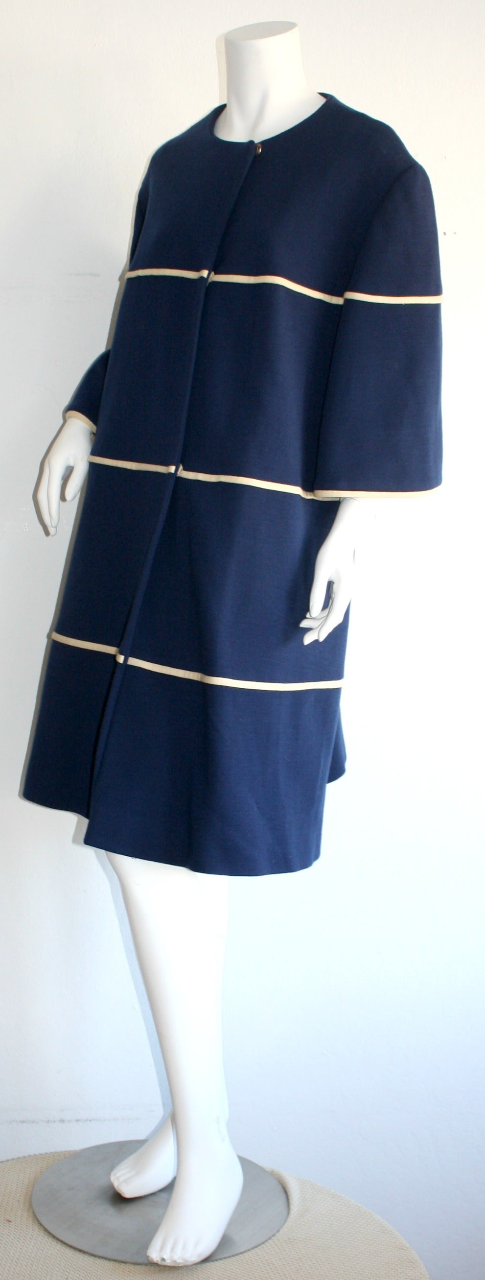 Lilli Ann 1960s Vintage Navy Blue & White Swing Jacket Trapeze Coat For Sale 1