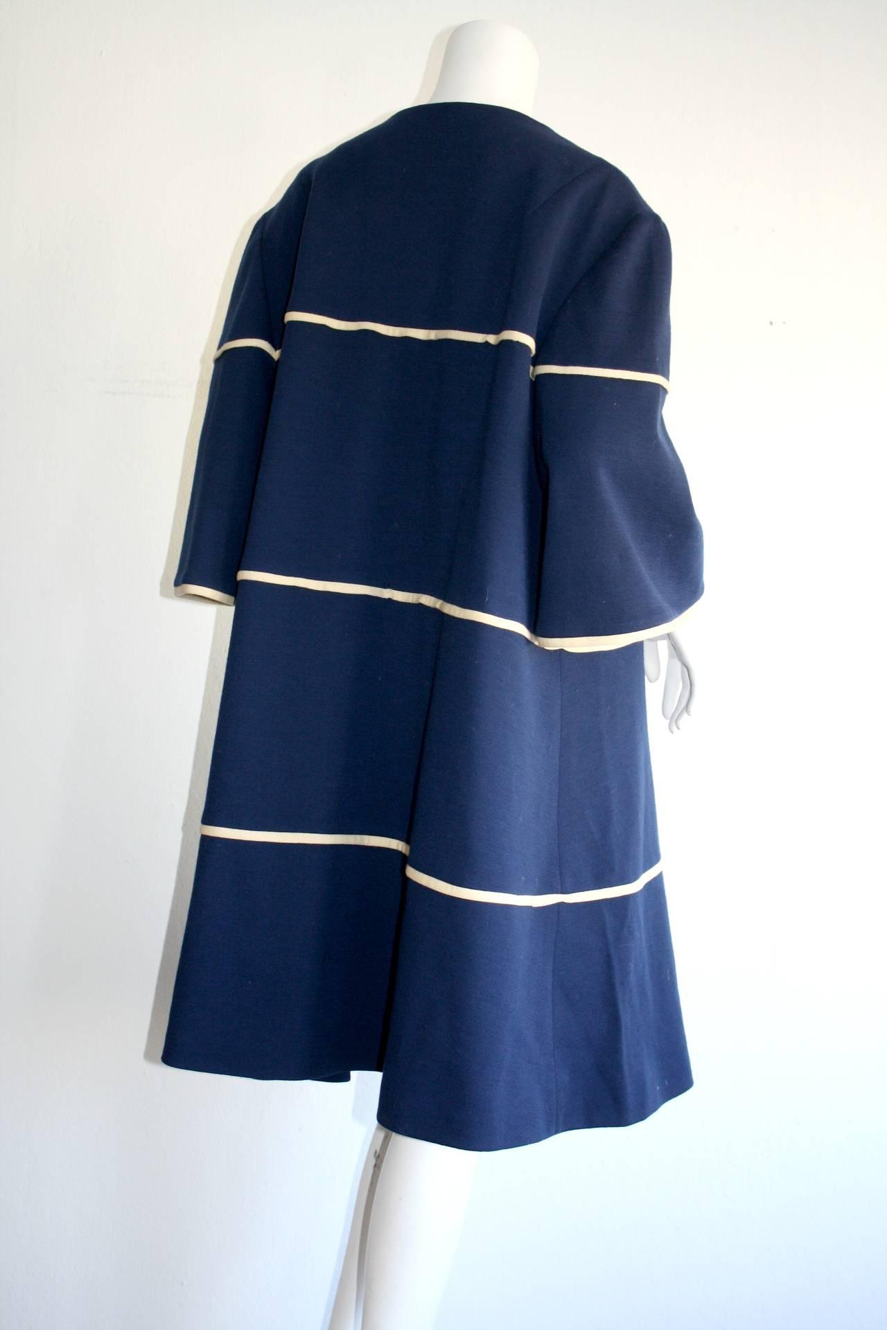 Women's Lilli Ann 1960s Vintage Navy Blue & White Swing Jacket Trapeze Coat For Sale