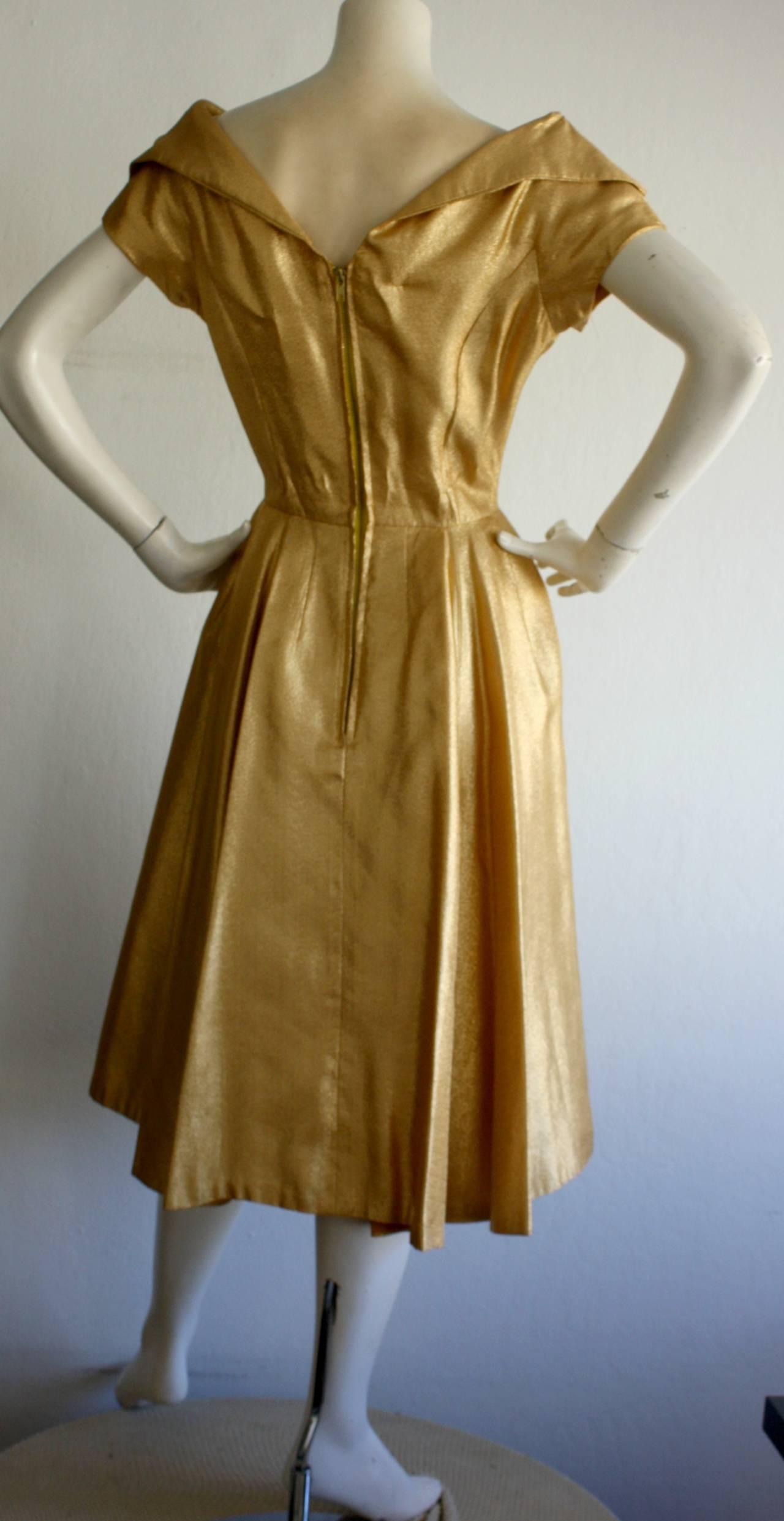 Wonderful 1950s Gold Metallic Vintage Cocktail Dress w/ Full Skirt 5
