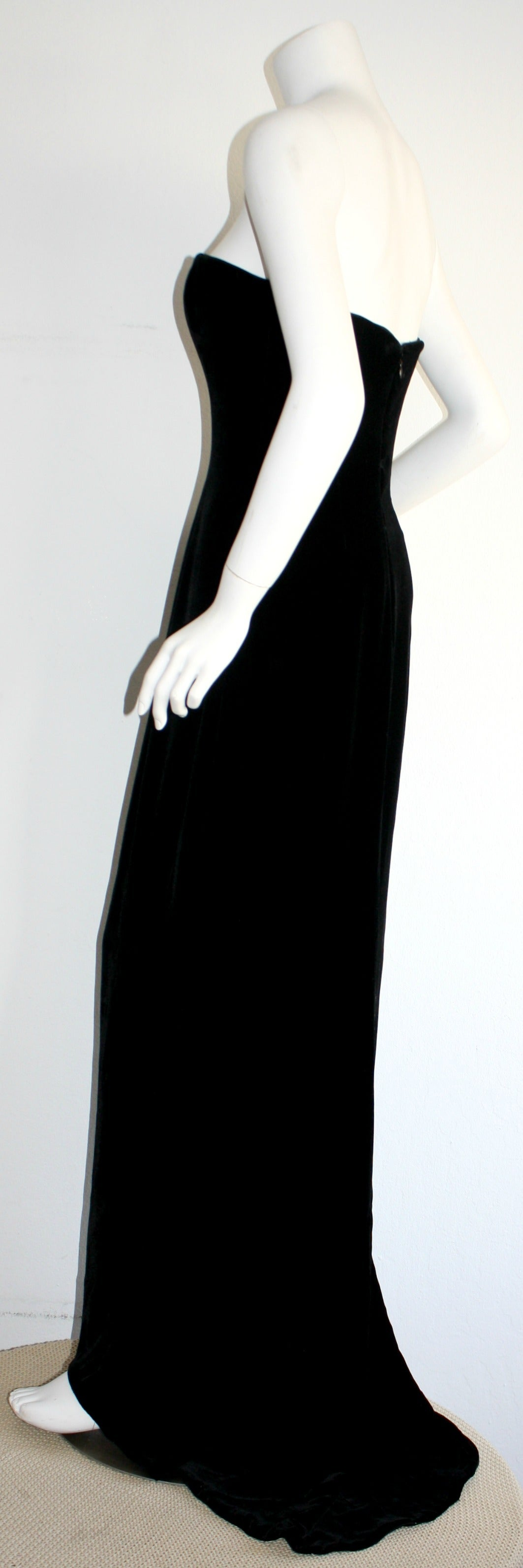 Stunning 1990s James Purcell Black Silk Velvet Strapless Gown w/ Dramatic Train For Sale 2