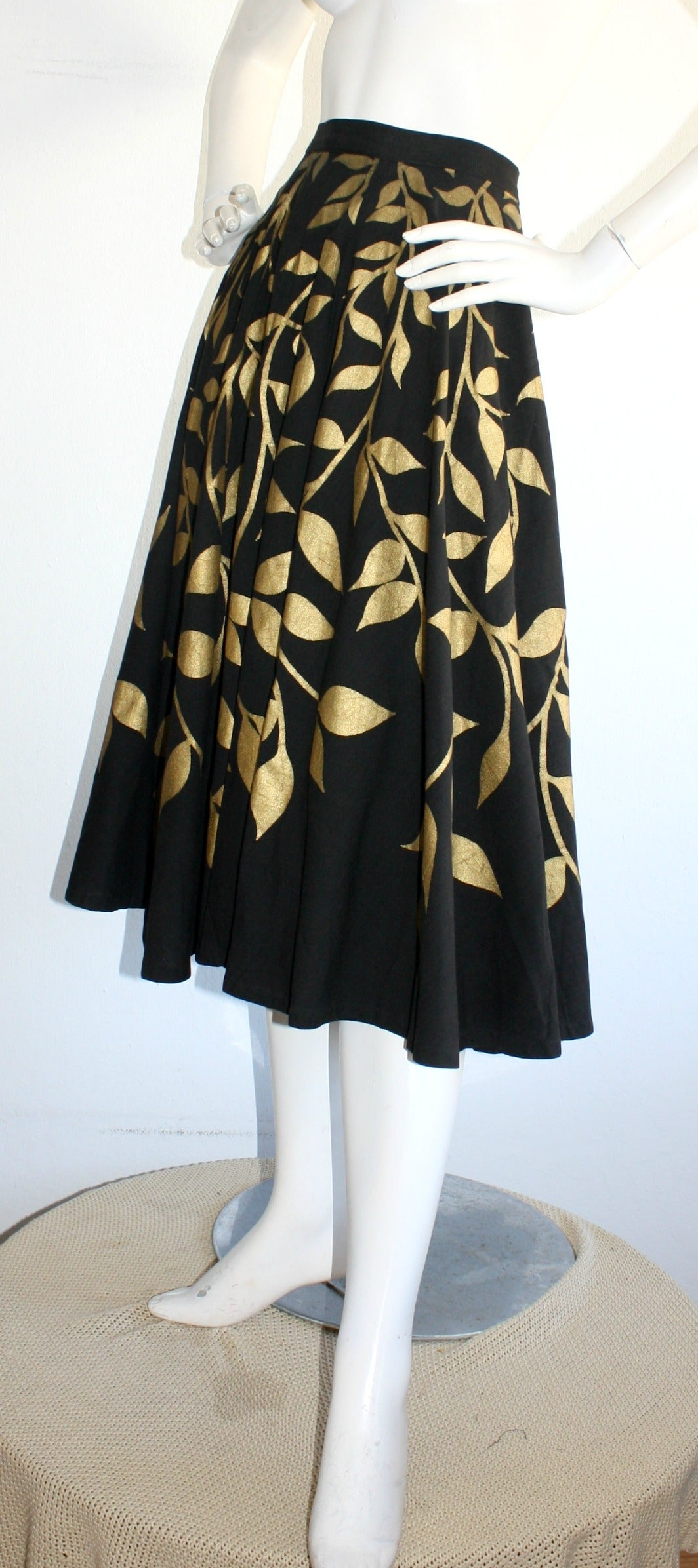 1950s Londy of Mexico Black & Gold Hand Painted Foliage Mexico Circle Skirt For Sale 1