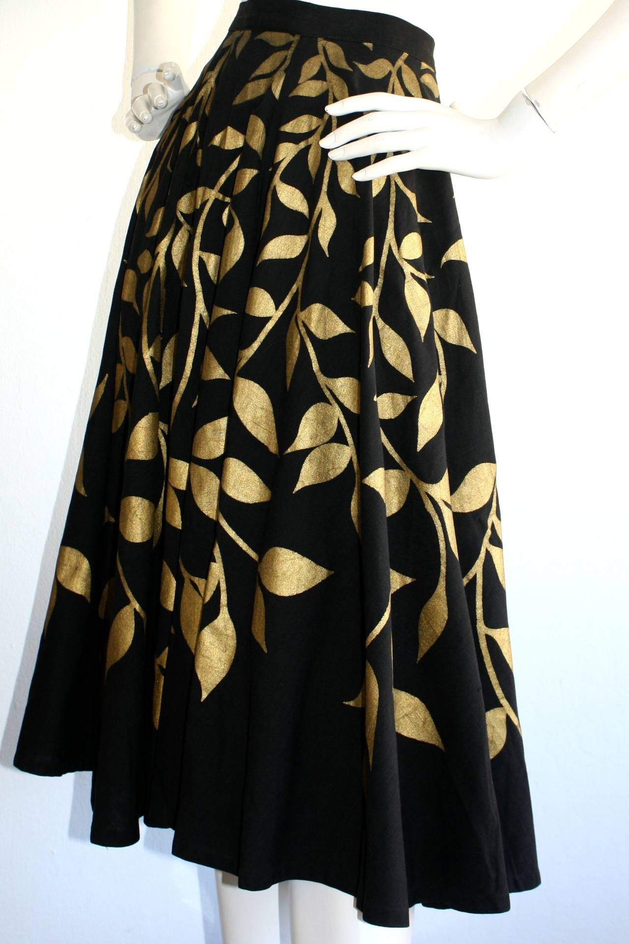 1950s Londy of Mexico Black & Gold Hand Painted Foliage Mexico Circle Skirt For Sale 2