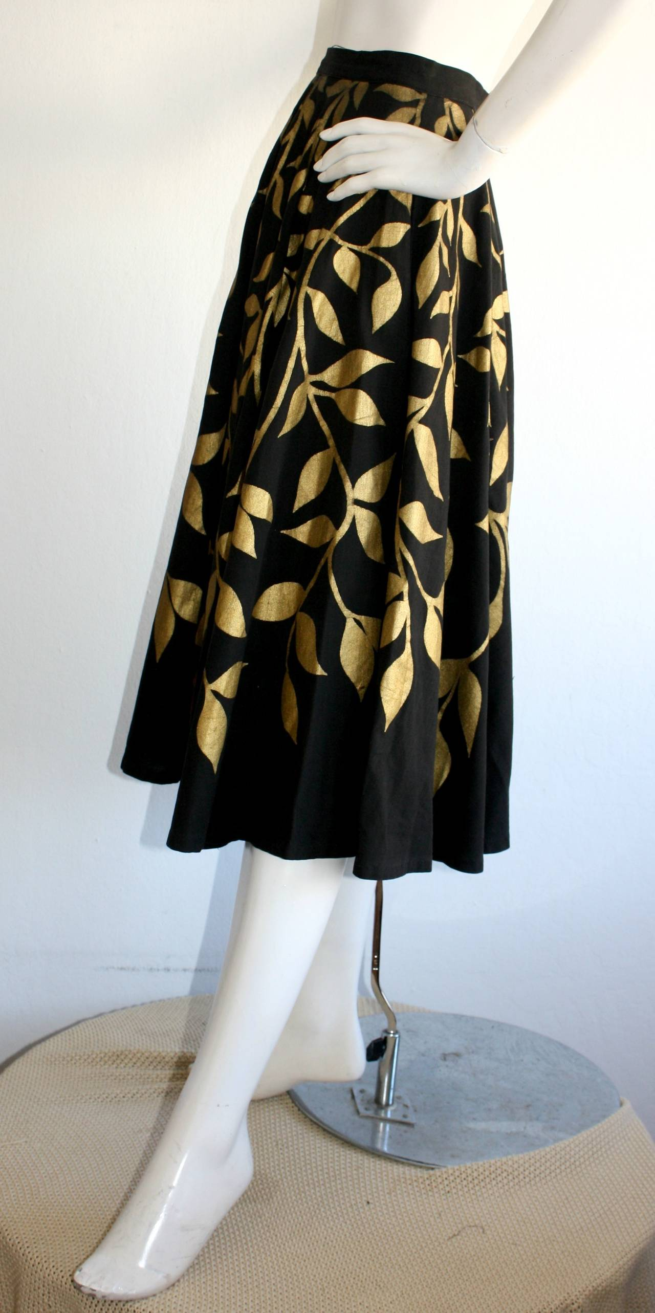 1950s Londy of Mexico Black & Gold Hand Painted Foliage Mexico Circle Skirt For Sale 3