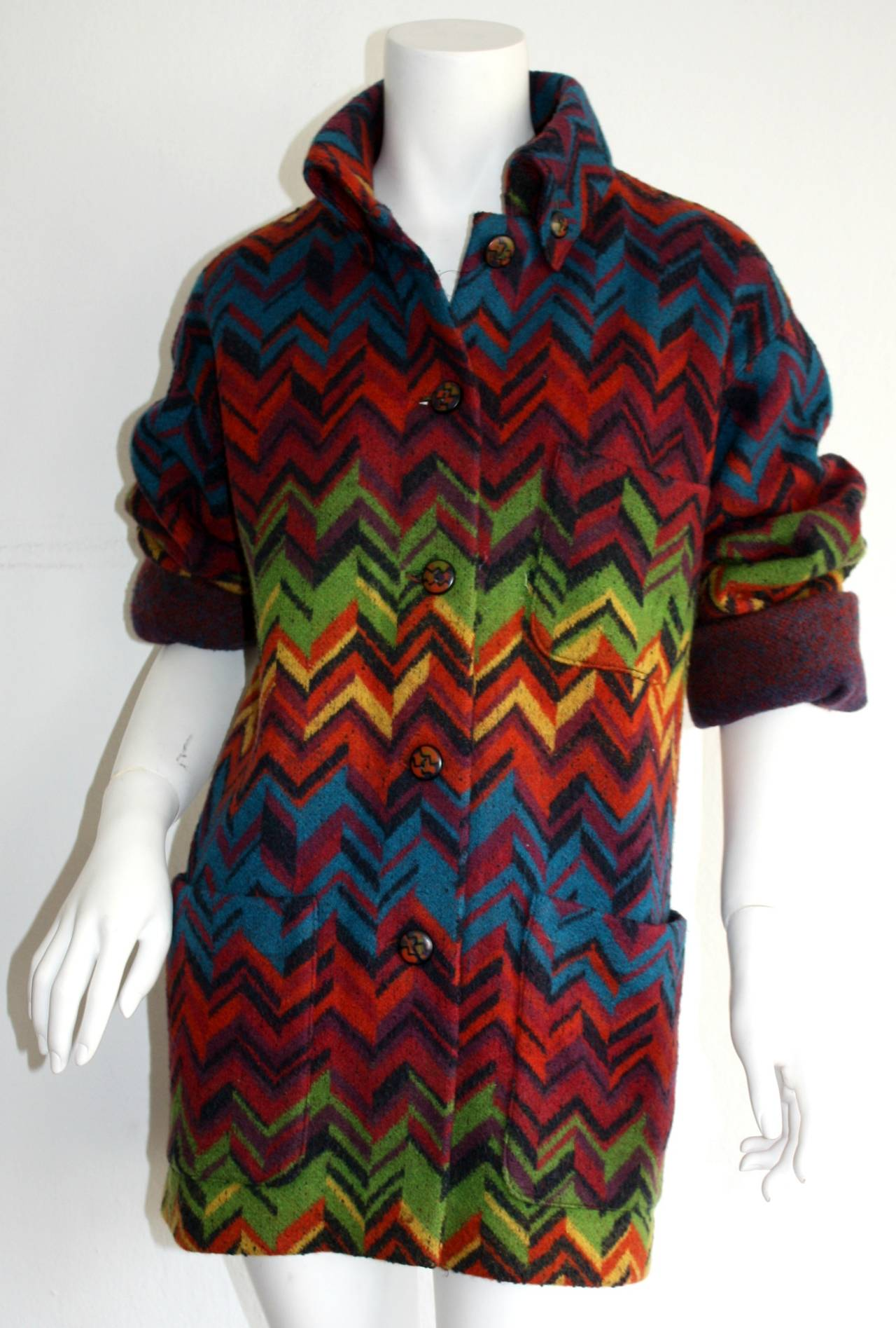 Amazing Vintage Missoni Signature Colorful Chevron Slouchy Blanket Jacket In Excellent Condition In Chicago, IL