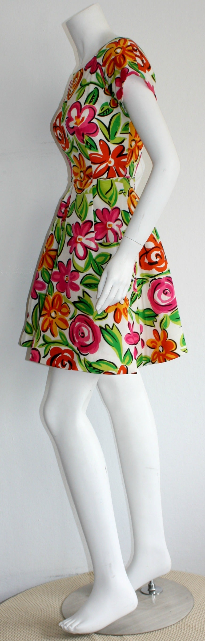 Vintage Arnold Scaasi Size 2 Silk Flower Dress w/ Pockets For Sale 1