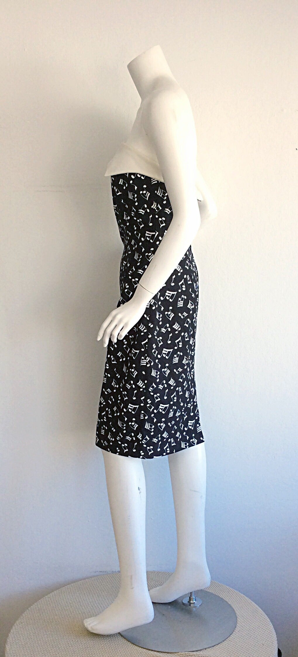 Iconic Vintage Patrick Kelly ' Music Notes ' Strapless Cotton Dress In Excellent Condition For Sale In Chicago, IL