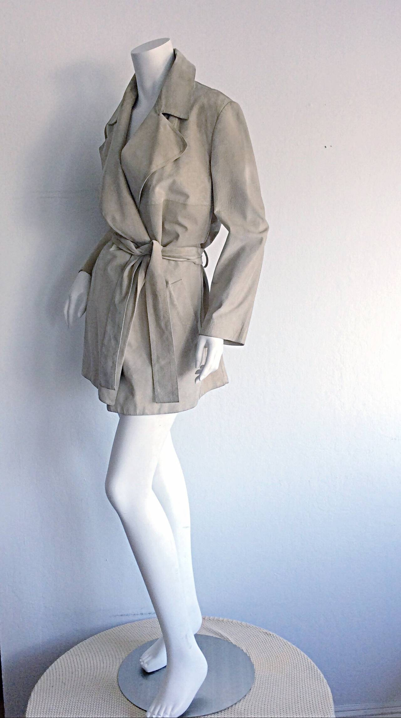 Gray Tom Ford For Gucci 1990s Suede Leather Stone Khaki Belted Spy Trench Coat Jacket For Sale