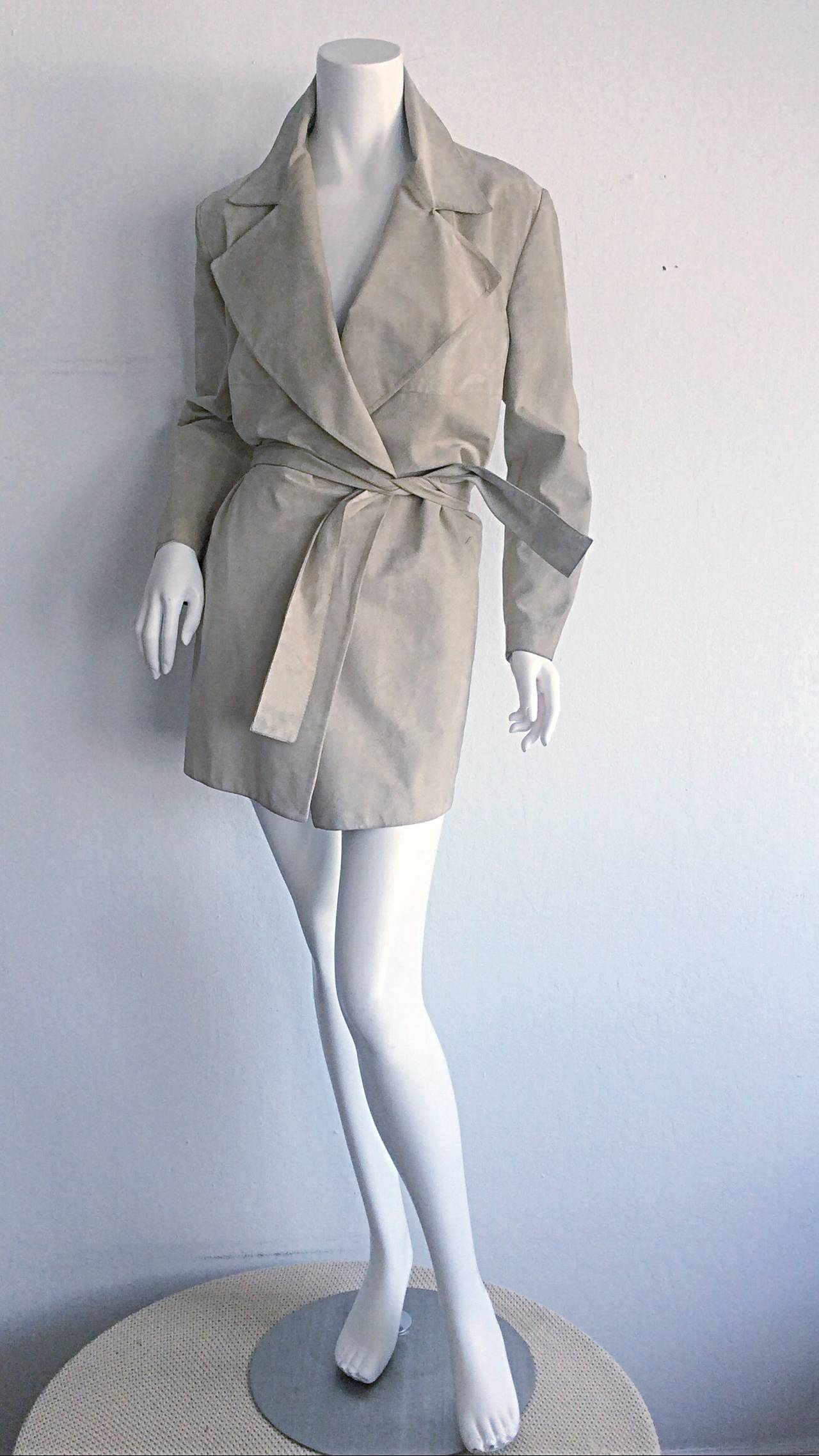 Tom Ford For Gucci 1990s Suede Leather Stone Khaki Belted Spy Trench Coat Jacket For Sale 1