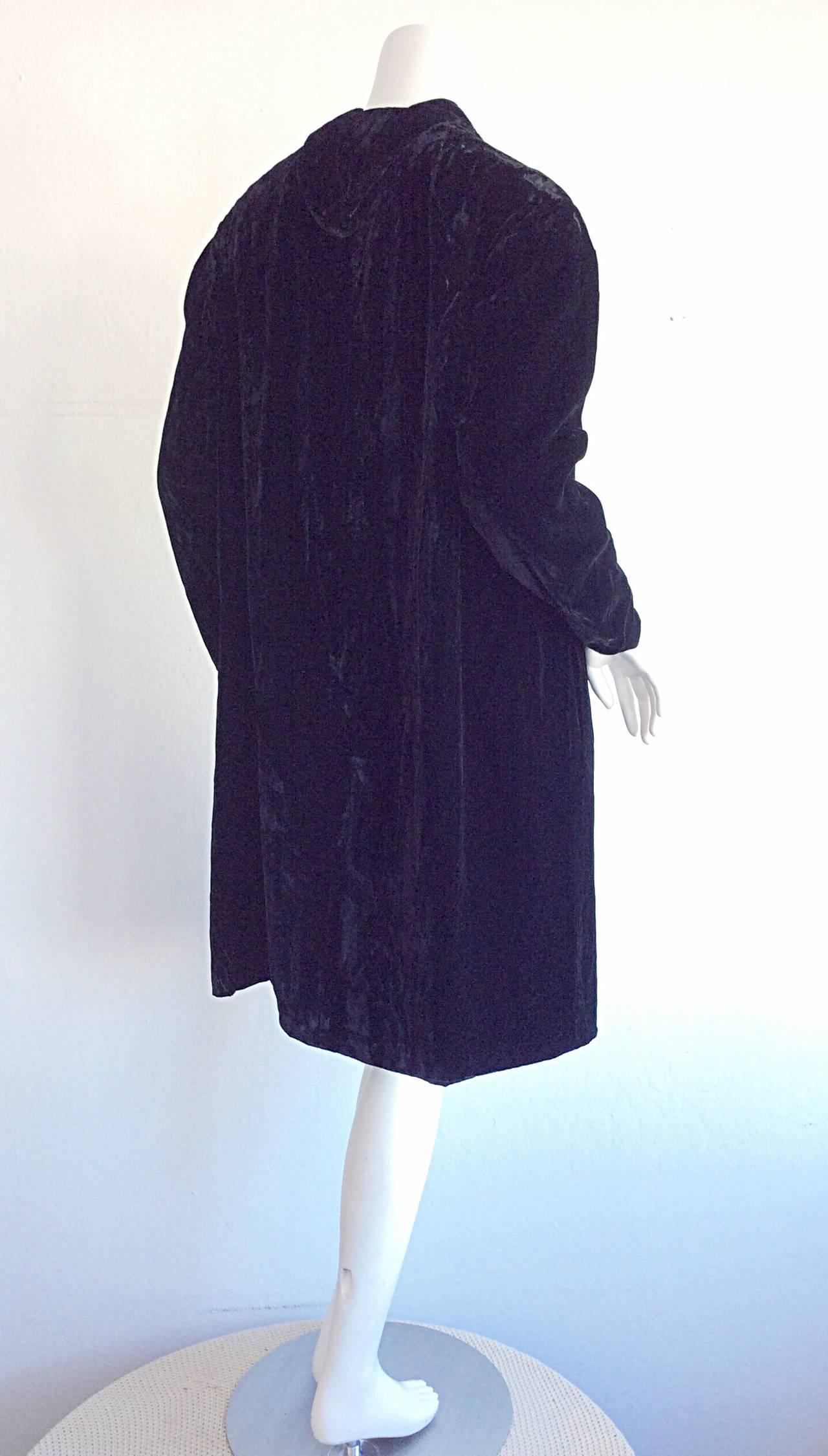 Extremely Rare 1950s Ceil Chapman Black Velvet Milium Cloak Jacket 5