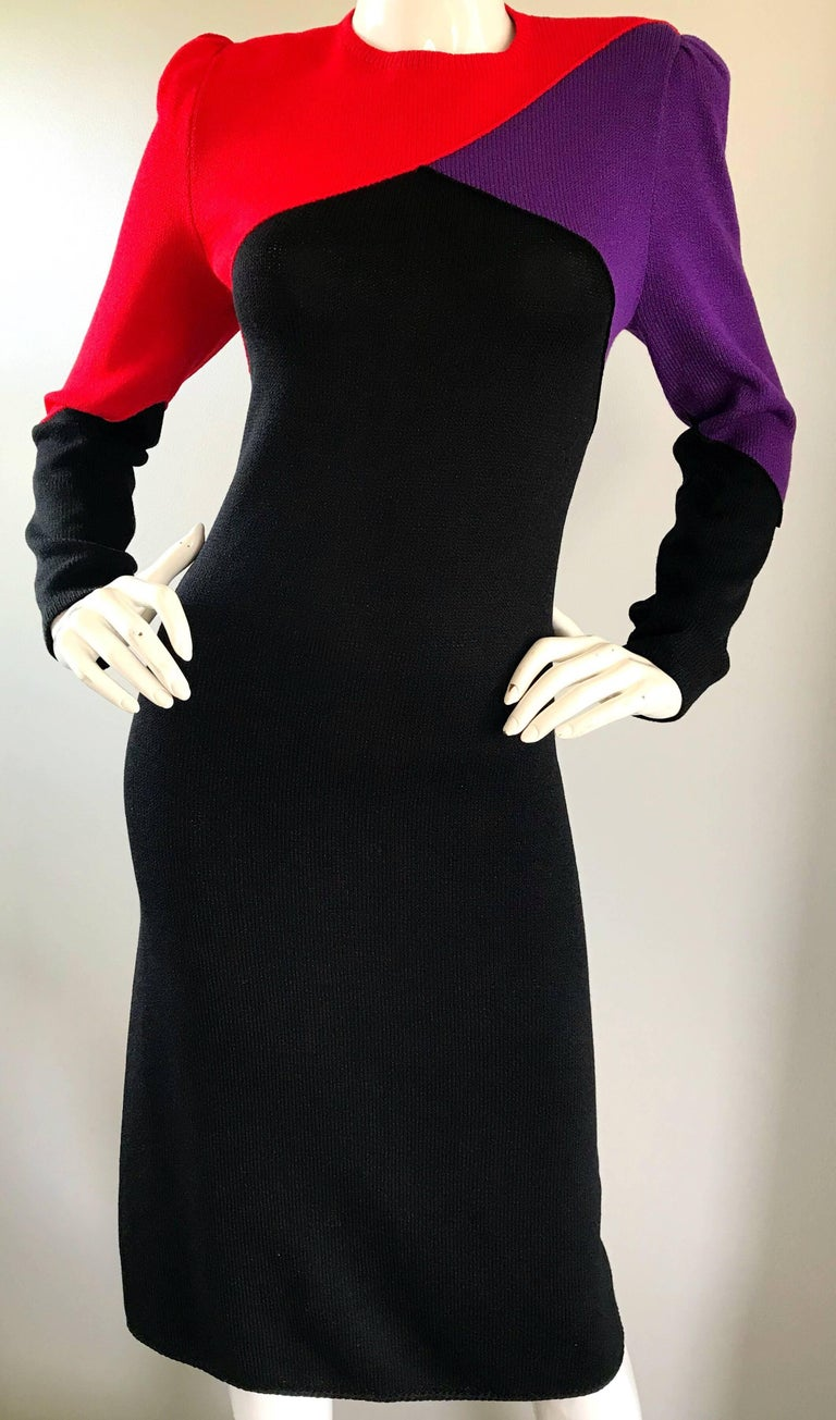 1980s St John By Marie Grey Black Red Purple Color