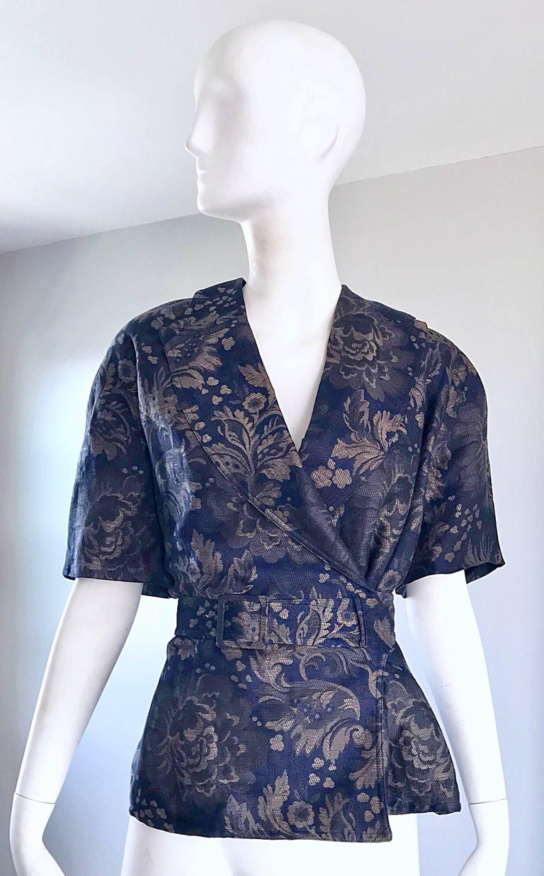 Rare 1980s Gucci Navy Blue Taupe Cotton And Linen Short