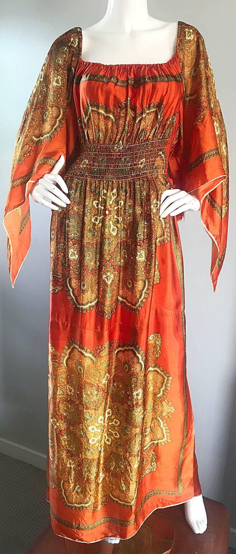 Amazing 1970s Off - Shoulder Boho Ethnic Print Silky Vintage 70s Maxi Dress For Sale 4