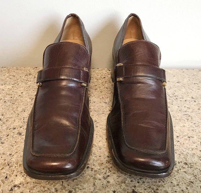 Women's Gucci by Tom Ford 1990s Chocolate Brown Size 36 / 6 Stacked Heel Loafers Shoes  For Sale