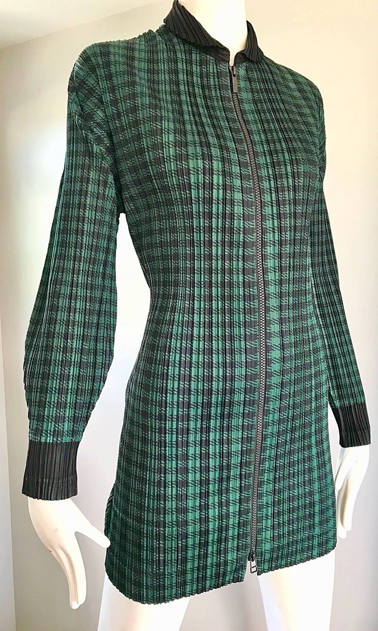 Vintage Issey Miyake Pleats Please 90s Green Black Checkered Jacket Mini Dress In Excellent Condition For Sale In Chicago, IL