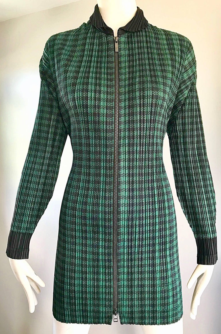 Women's Vintage Issey Miyake Pleats Please 90s Green Black Checkered Jacket Mini Dress For Sale