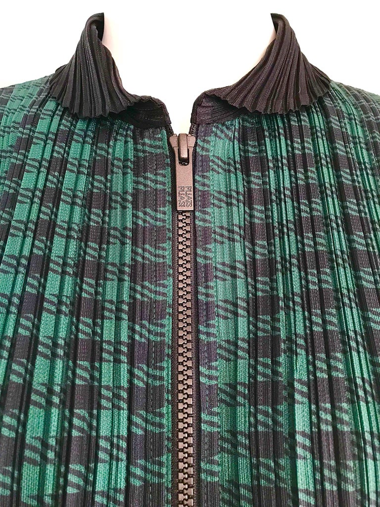 Vintage Issey Miyake Pleats Please 90s Green Black Checkered Jacket Mini Dress For Sale 1