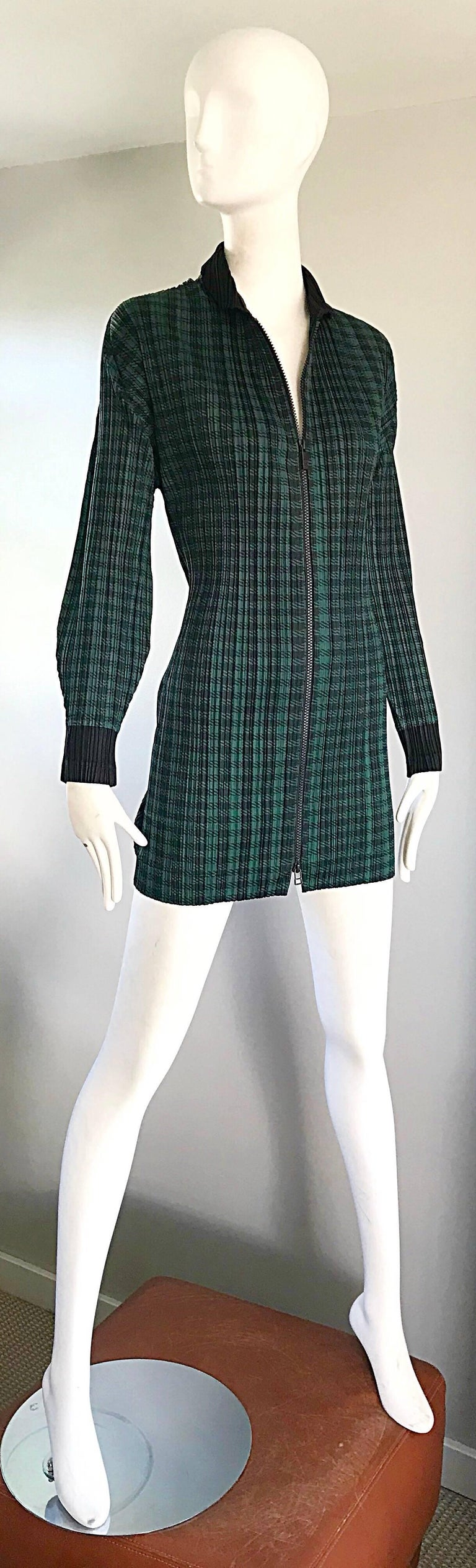 Vintage Issey Miyake Pleats Please 90s Green Black Checkered Jacket Mini Dress For Sale 4