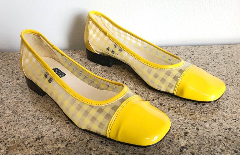 andre assous 1960s vintage style yellow and clear size 8