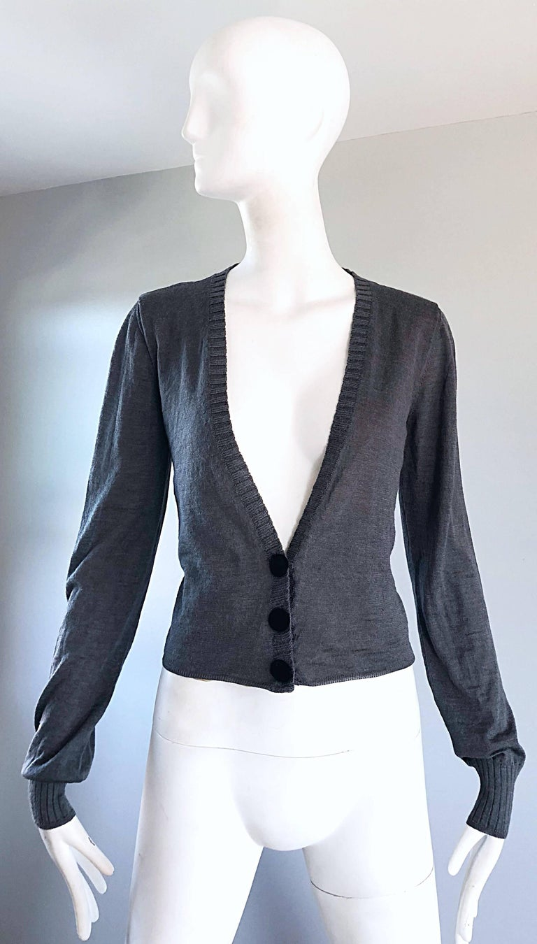 Classic LANVIN, by ALBER ELBAZ Hiver 2006 charcoal gray alpaca and silk blend lightweight cardigan sweater! Smart tailored fit stretches to fit. Three black velvet buttons up the front. Fully lined in nude silk. Perfect weight for layering, and is a