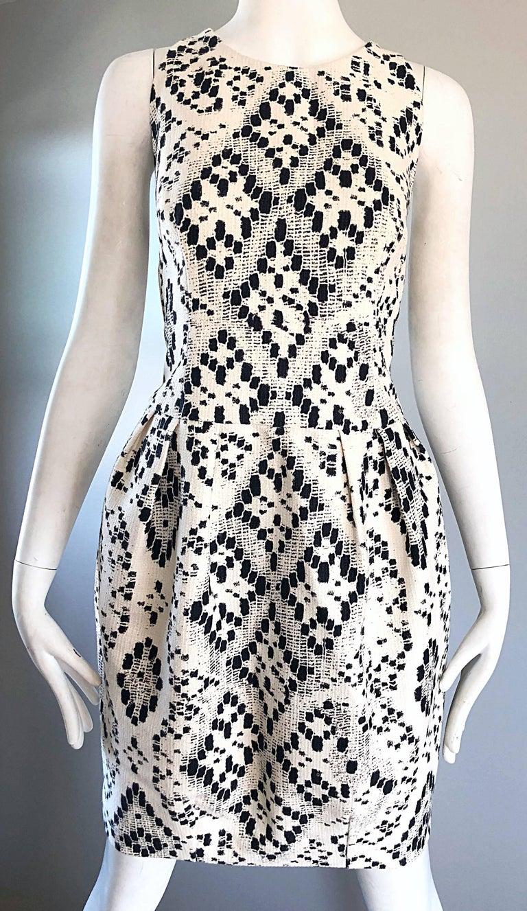 Giambattista Valli Size 10 / 12 Black and White Abstract Sleeveless Dress For Sale 2