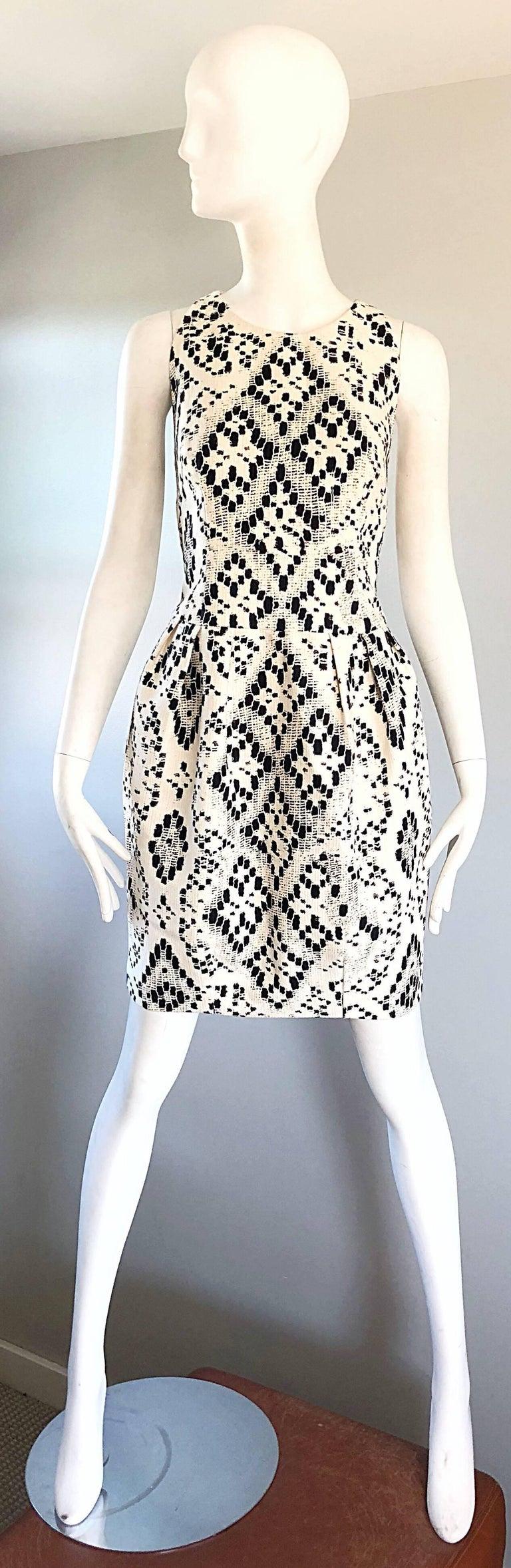 Giambattista Valli Size 10 / 12 Black and White Abstract Sleeveless Dress For Sale 4
