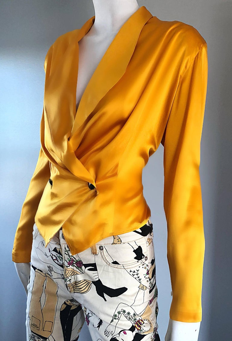 Vintage Christian Dior 1990s Yellow Marigold Size 10 Silk Long Sleeve Blouse Top In Excellent Condition In Chicago, IL