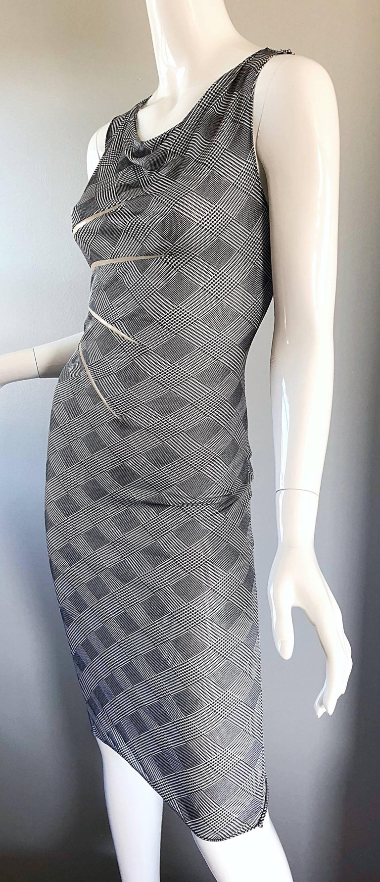 Women's Gianni Versace Couture Rare S / S 1998 Vintage Black and White Cut - Out Dress For Sale