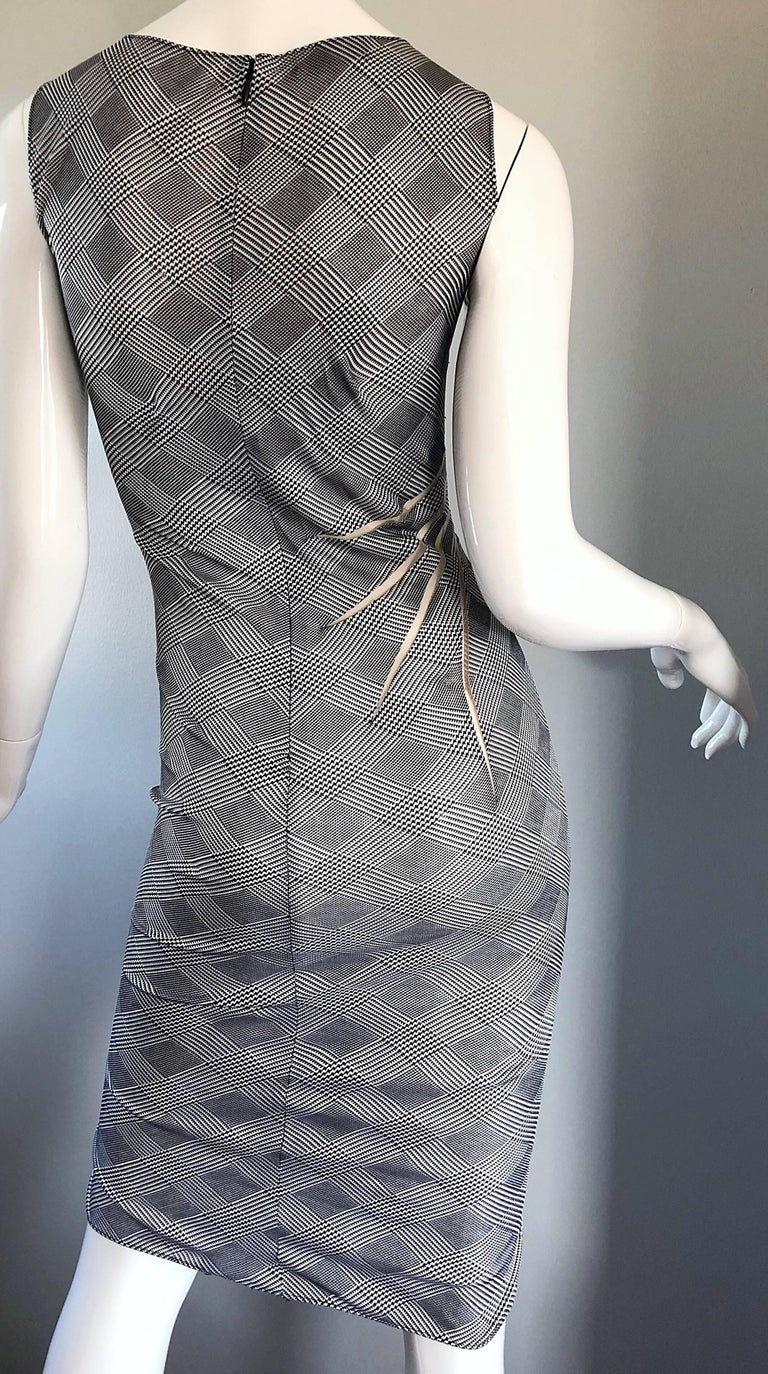Gianni Versace Couture Rare S / S 1998 Vintage Black and White Cut - Out Dress For Sale 1