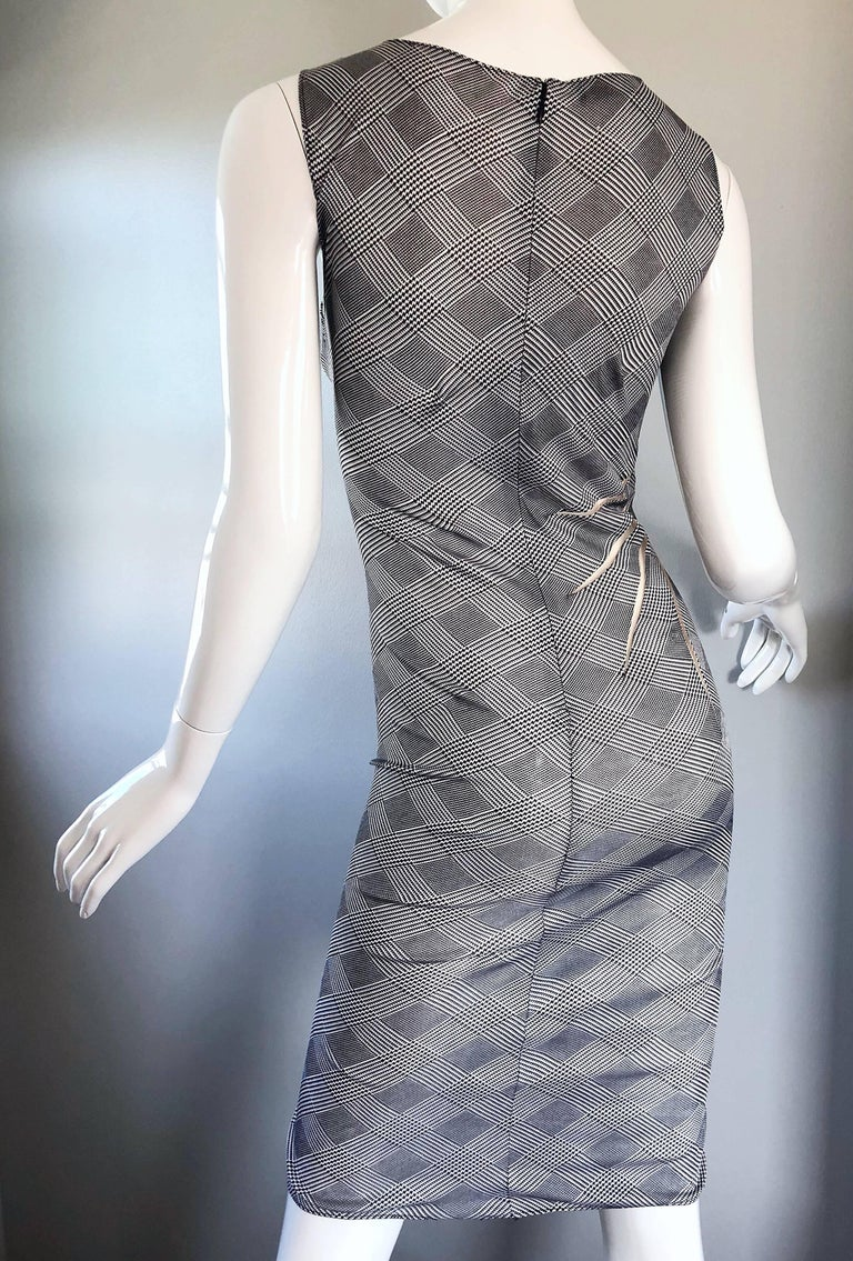 Gianni Versace Couture Rare S / S 1998 Vintage Black and White Cut - Out Dress For Sale 3