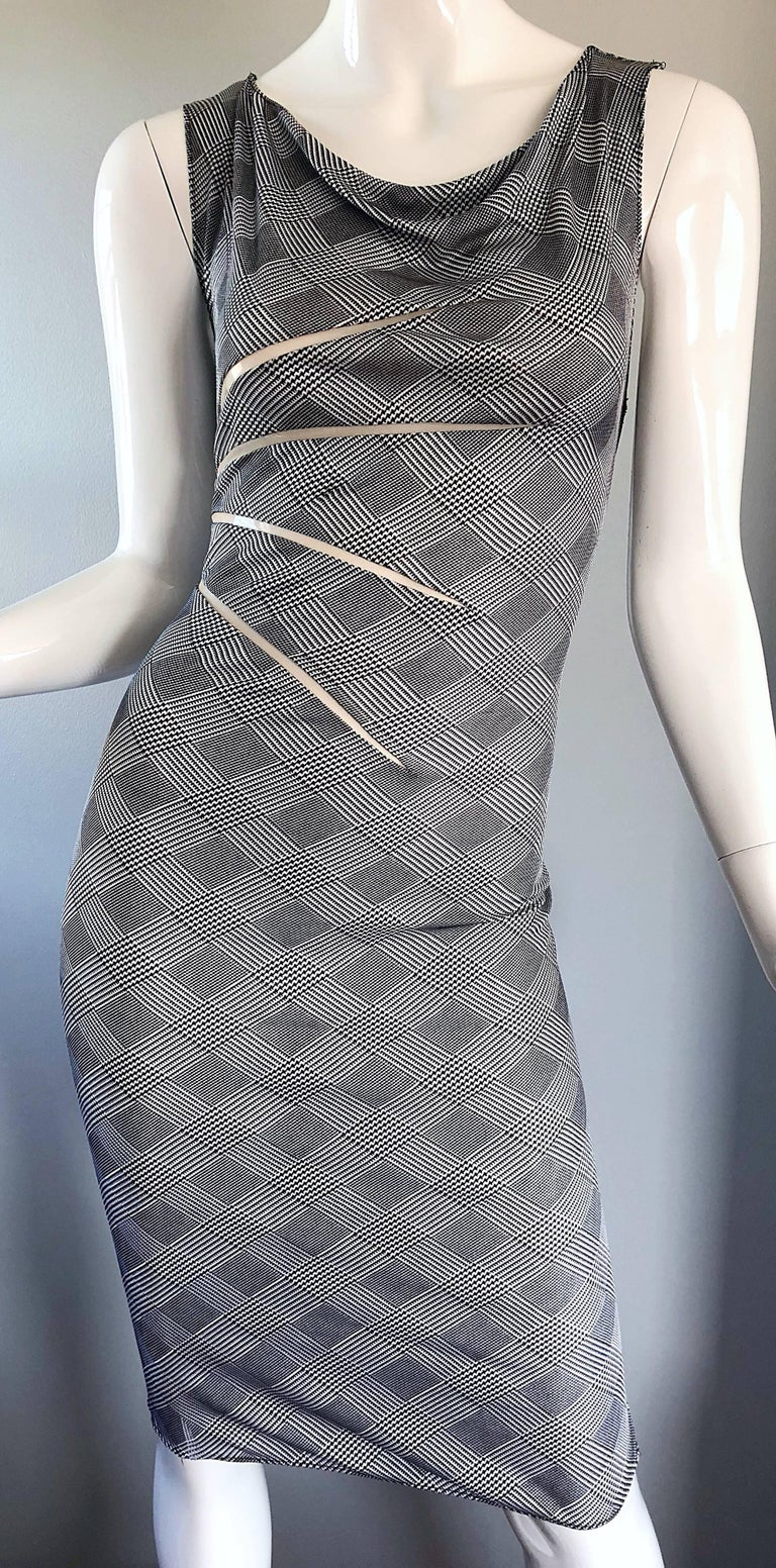Gianni Versace Couture Rare S / S 1998 Vintage Black and White Cut - Out Dress For Sale 4