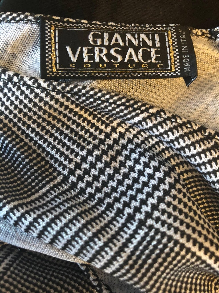 Gianni Versace Couture Rare S / S 1998 Vintage Black and White Cut - Out Dress For Sale 5