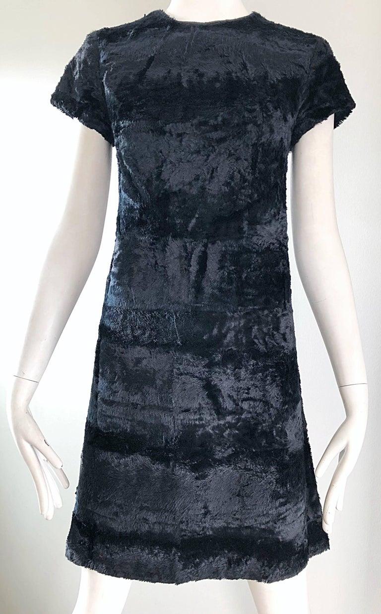 Chic 1960s Saks 5th Avenue Faux Fur Black Shift A - Line Mod Vintage 60s Dress For Sale 6