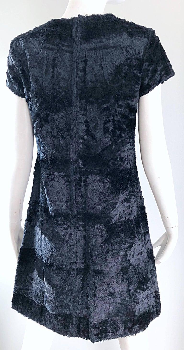 Chic 1960s Saks 5th Avenue Faux Fur Black Shift A - Line Mod Vintage 60s Dress For Sale 7