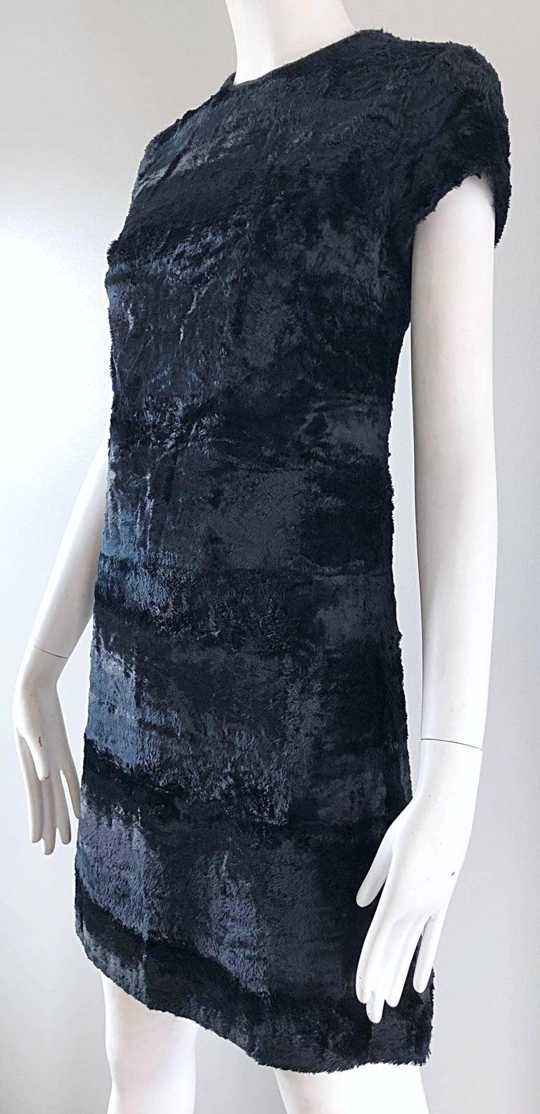 Chic 1960s Saks 5th Avenue Faux Fur Black Shift A - Line Mod Vintage 60s Dress For Sale 8