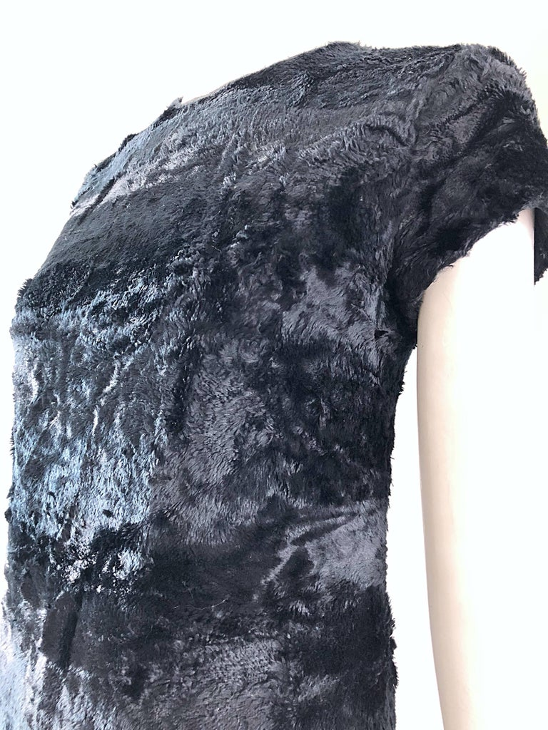 Chic 1960s Saks 5th Avenue Faux Fur Black Shift A - Line Mod Vintage 60s Dress For Sale 10