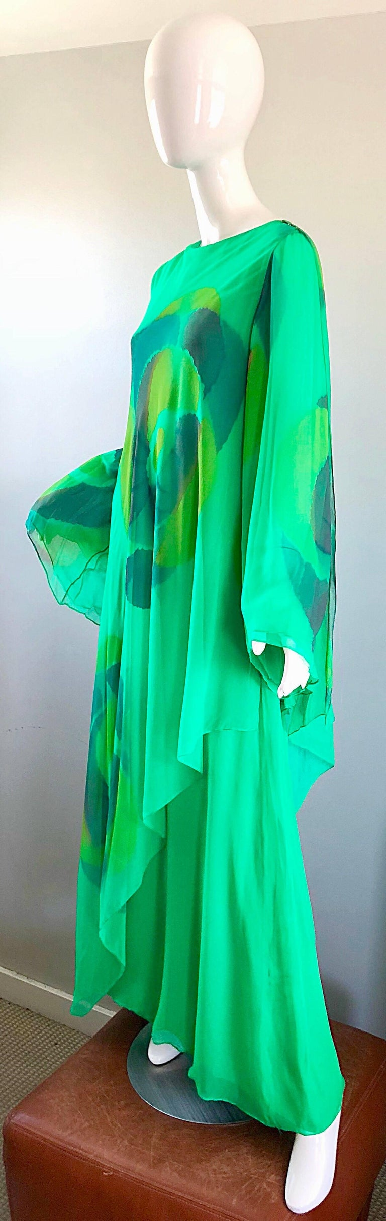 Vintage Travillia Couture 1970s Hand Painted Kelly Green Silk Chiffon 70s Gown In Excellent Condition For Sale In Chicago, IL